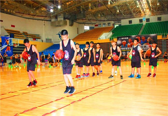 2018练盟全国青少年篮球夏令营招生简章